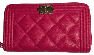 Chanel BN Chanel Boy Zippy Wallet in Hot Pink Caviar Leather