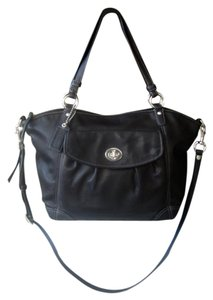 Coach Excellent Practically New! Super-roomy Distinctive Classic Tote