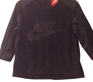 Nike T Shirt Black and white