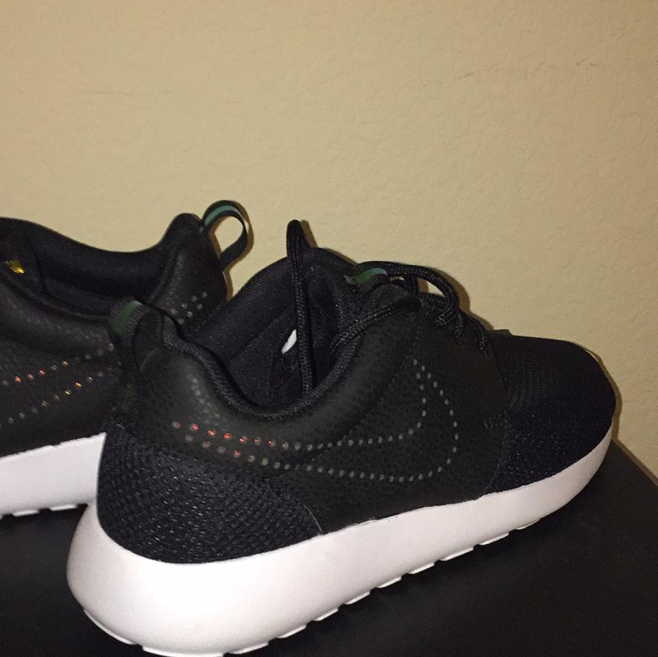 LADY LADY LADY Nike Black Roshe One/Iridescent Sneakers bestsell 1764b2