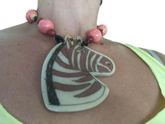 Preload https://img-static.tradesy.com/item/21164779/lee-sands-horse-zebra-head-with-in-box-necklace-0-2-540-540.jpg