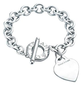 Tiffany & Co. Tiffany & Co. Toggle Bracelet With Heart Charm 7.5