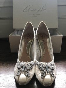 Aruna Seth Ivory Lace Round Toe Farfalla Wedding Shoes