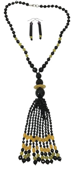 Preload https://img-static.tradesy.com/item/21165916/black-and-yellow-beaded-earring-necklace-set-0-4-540-540.jpg