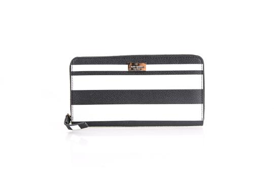 Preload https://img-static.tradesy.com/item/21166487/kate-spade-new-york-stacy-arbour-hill-printed-leather-wallet-0-0-540-540.jpg