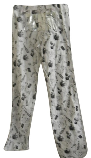 Preload https://img-static.tradesy.com/item/21166496/victoria-s-secret-white-black-cocktail-graphics-pajama-lounge-baggy-pants-size-2-xs-26-0-1-650-650.jpg