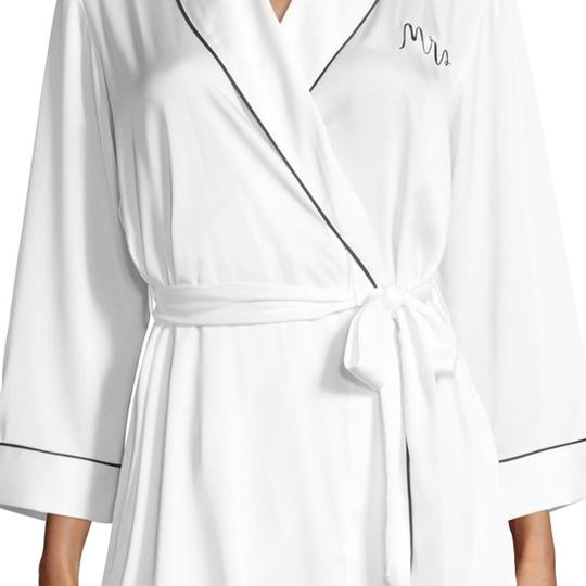 Preload https://img-static.tradesy.com/item/21166919/kate-spade-white-mrs-robe-0-0-540-540.jpg