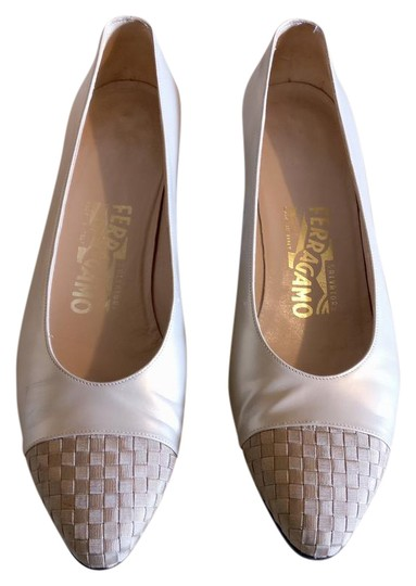 Preload https://img-static.tradesy.com/item/21167532/salvatore-ferragamo-pumps-size-us-8-regular-m-b-0-5-540-540.jpg