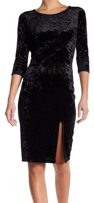 Preload https://img-static.tradesy.com/item/21168066/velvet-mid-length-night-out-dress-size-4-s-0-1-650-650.jpg