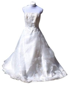David's Bridal Organza Wedding Ball Gown Dress