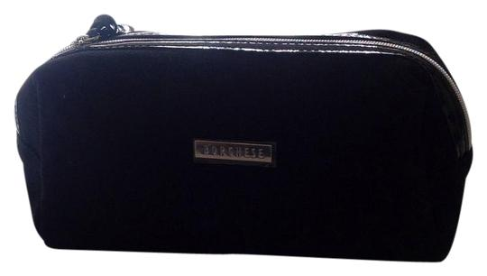 Preload https://img-static.tradesy.com/item/21168295/borghese-black-cosmetic-bag-wallet-0-1-540-540.jpg