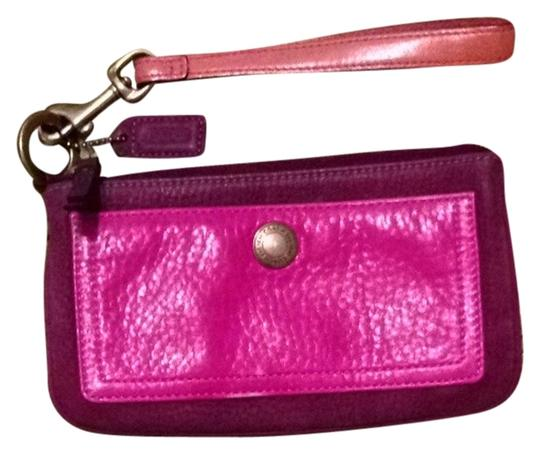 Preload https://img-static.tradesy.com/item/2116858/coach-authenticated-clutchwristlet-purple-and-pink-leather-clutch-0-0-540-540.jpg