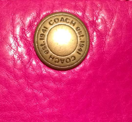Coach Leather Authenticated Wristlet Purple And Pink Clutch