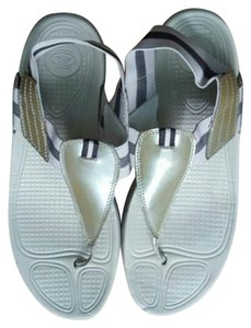 Easy Spirit Beige Sandals