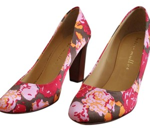 Bettye Muller Chunky Leather Floral Pumps