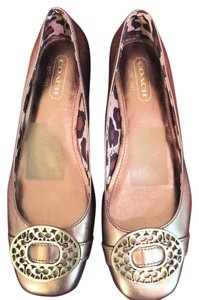 Coach Leather Gold Closed Toe Euc Metallic Gold Flats