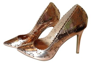 LC Lauren Conrad Metallic Rose Pumps