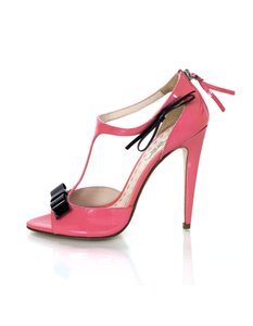 Miu Miu Patent Leather T-strap Pumps pink Sandals