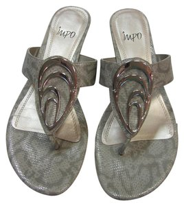 Impo Size 9.00 M Reptile Design Very Good Condition Neutral with a sheen. Sandals