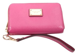 Michael Kors Fuschia Zip Wallet