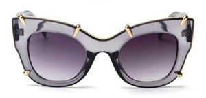 Elle Cross Elle Cross Gold Claw Cat Eye Frames Transparent Gray Sunglasses
