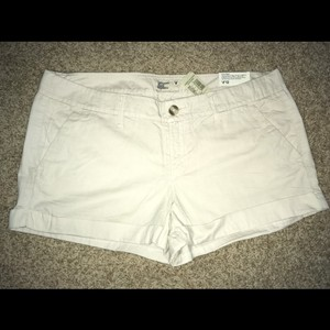 American Eagle Outfitters Mini/Short Shorts light khaki