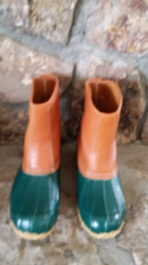 Eddie Bauer Green with Tan Leather Upper Boots