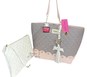 Betsey Johnson Bone Pouch Quilted Diamond Tote in GRAY/BLUSH