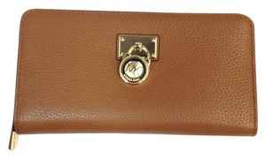 Michael Kors Michael Kors Hamilton Zip Around Wallet Vanilla phone Clutch NWT