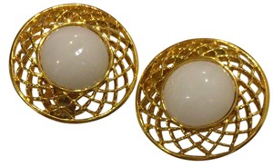 Chanel Chanel Gold Toned Vintage Faux Pearl Round Clip-On Earrings