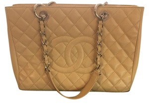 Chanel Chanel. Tote in Camel