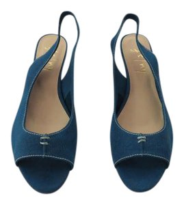 French Sole Design Padded Footbed Butter Soft Leather Color New Never Worn Blue Sandals