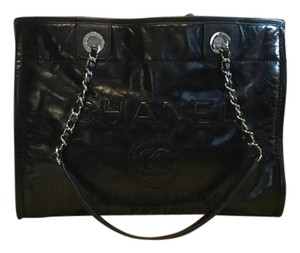 Chanel Deauville Leather Calfskin Tote in Black