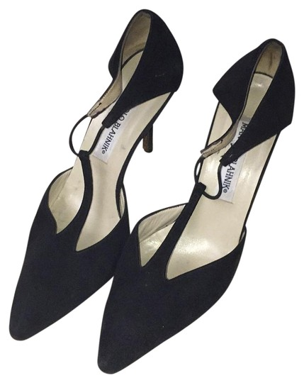 Preload https://img-static.tradesy.com/item/21179082/manolo-blahnik-black-suede-stilleto-formal-shoes-size-us-7-narrow-aa-n-0-1-540-540.jpg