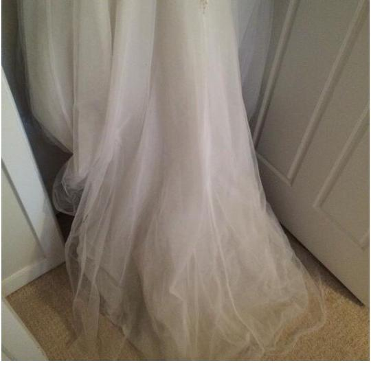 Allure Bridals Formal Wedding Dress Size 6 (S) Image 3