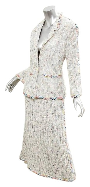 Preload https://img-static.tradesy.com/item/21179725/chanel-multicolor-99p-white-cotton-boucle-textured-jacket-long-skirt-suit-size-10-m-0-1-650-650.jpg