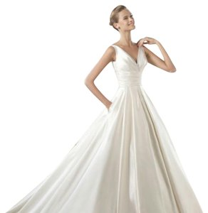 Pronovias Ocumo Wedding Dress
