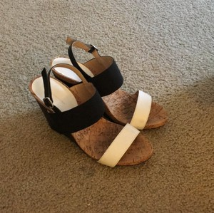 BCBGeneration black and white Wedges
