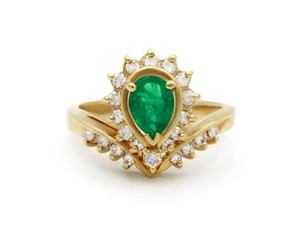 DIANA M. JEWELS One of a kind green emerald and diamond ring