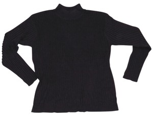 Distinctive New York Silk Ribbed Turtleneck Sweater