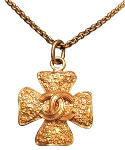 Chanel RARE VINTAGE CHANEL 18k GOLD PLATED MALTESE CROSS NECKLACE
