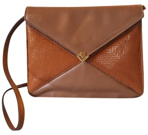aab814f37bb Etienne Aigner Cross Body Bags - Up to 90% off at Tradesy (Page 2)