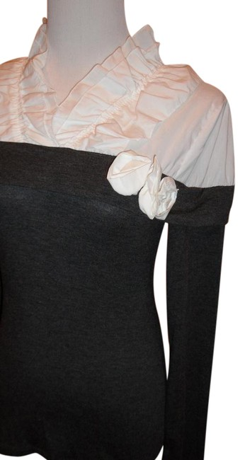 Item - Very Cute Combination Of Cotton Fabric Gray and White Top