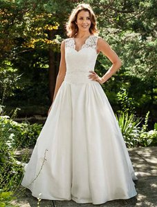 Lea-Ann Belter Bernadette Wedding Dress