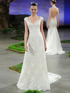 Ines Di Santo Diamond White (Off White) Alencon Lace with Chantilly Underlay Rachael X Formal Wedding Dress Size 10 (M)