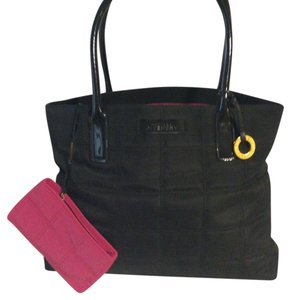 Givenchy Perfume Tote in black