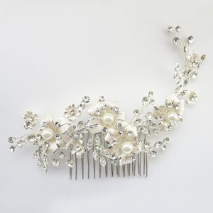 Elegance by Carbonneau Silver Lt Champagne Plated Rhinestone Ivory Pearl Floral Comb 62 Hair Accessory