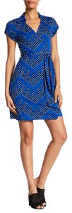 Diane von Furstenberg short dress CHEVRON DOTS BLUE Dvf Wrap Collar Print on Tradesy