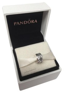 PANDORA Pandora Hearts in a row clip charm in original gift pouch