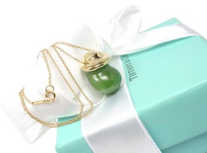 Tiffany & Co. Vintage Tiffany & Co Peretti 18K Gold Jade Bottle Inro Urn Necklace